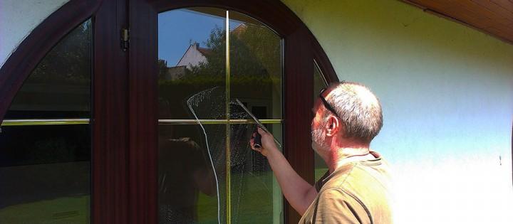 Mytí a leštění oken suchou metodou Brno