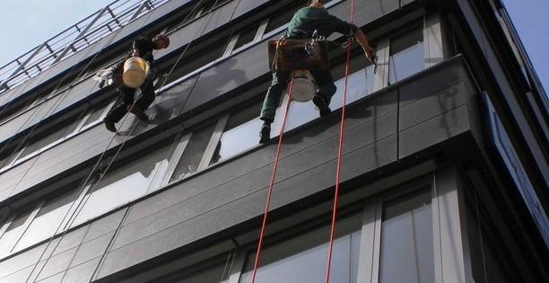 Mytí oken a fasády ve výškách Brno