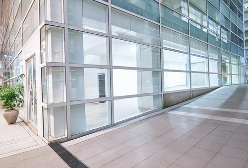 """Práce firmy """"Výškové práce Brno"""" má i jiné pozitivní důsledky než jen dokonale čistá okna"""
