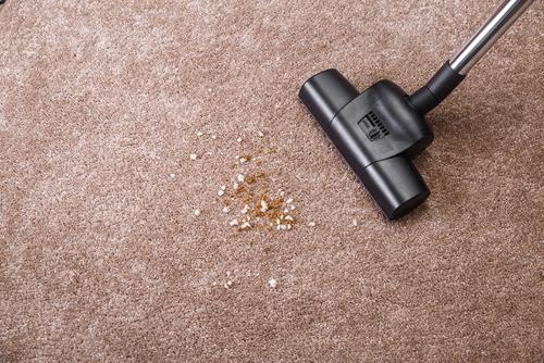 Sójová omáčka patří ksushi, ne na koberec. Ale nebojte, je možné ji zněj odstranit Praha